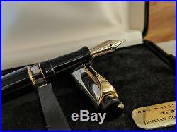 AURORA Optima Sterling Silver Ag 925 Cap & Medium 14K Gold Nib Fountain Pen